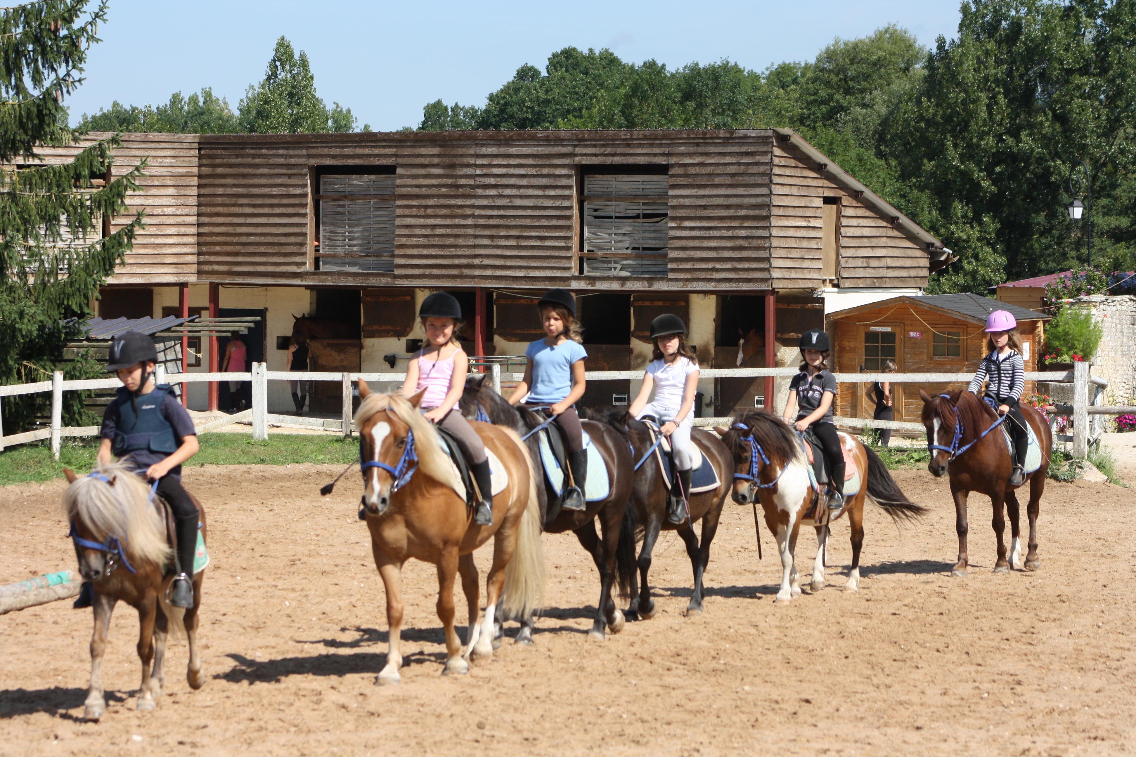 Classes d couvertes centre equestre de chemilly chablis - Centre equestre jardin d acclimatation ...